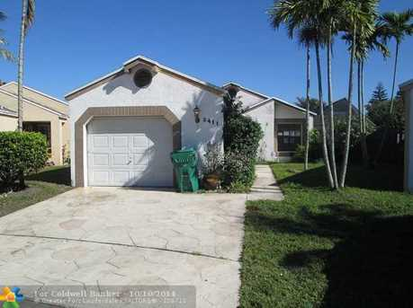 2411 SW 87th Ave - Photo 1