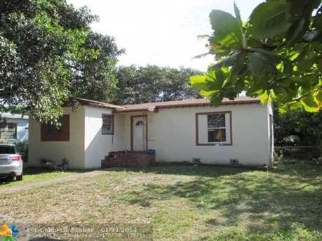 1070 NW 116th St - Photo 1