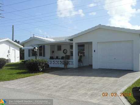 310 NW 24th Ct - Photo 1