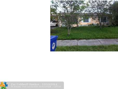 1840 SW 64th Ave - Photo 1