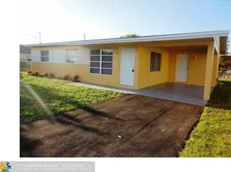 2481 NW 13th St - Photo 1