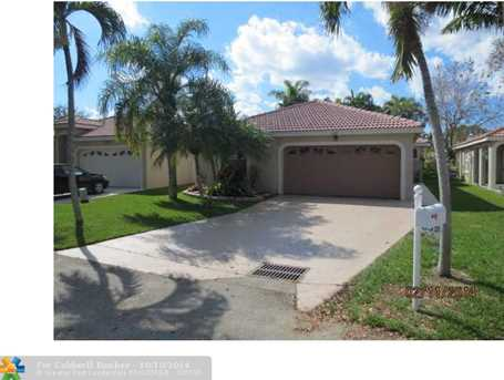 622 NW 183rd Ter - Photo 1