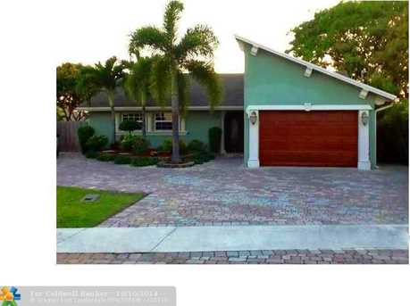 379 SW 33rd Ave - Photo 1