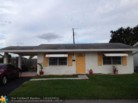 4904 NW 27th Ter - Photo 1