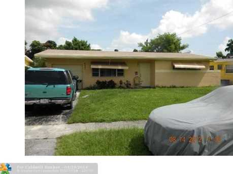 6481 NW 27th St - Photo 1