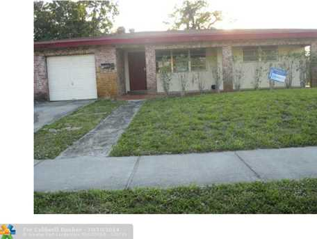 220 NW 33rd Ter - Photo 1
