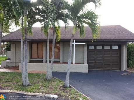 8440 SW 39th Ct - Photo 1