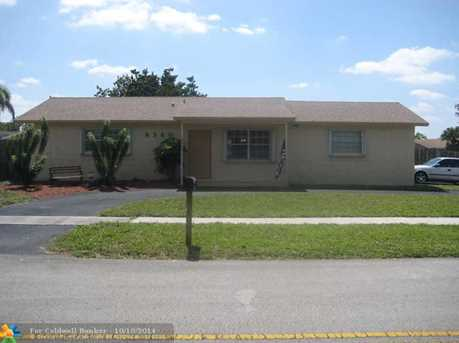 8360 NW 47th St - Photo 1