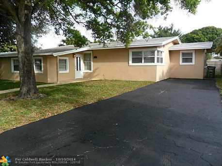 727 NW 28th Ct - Photo 1