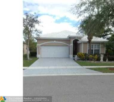 7810 NW 70th Ave - Photo 1