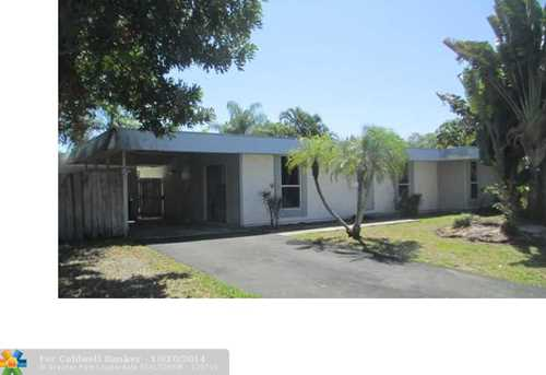 7902 NW 66th Ter - Photo 1