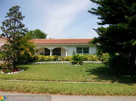 11041 NW 43rd Ct - Photo 1