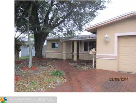 3181 NW 18th Ave - Photo 1