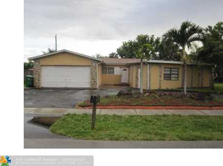 3650 NW 4th St - Photo 1