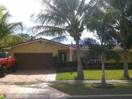7960 NW 9th St - Photo 1