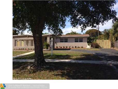 4721 NW 13th St - Photo 1