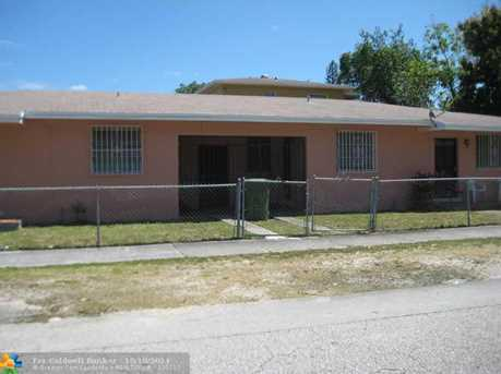 4251 NW 15th Ave - Photo 1