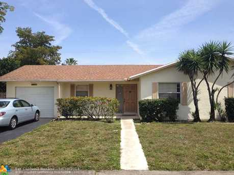 8601 NW 45th St - Photo 1