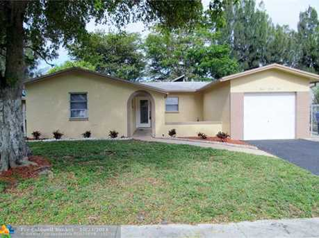 831 SW 83rd Ave - Photo 1