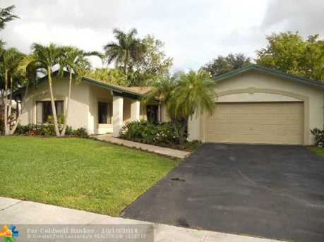 9361 NW 16th St - Photo 1