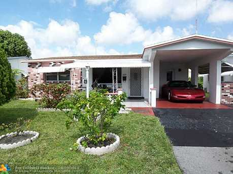 4239 NW 52nd Ave - Photo 1