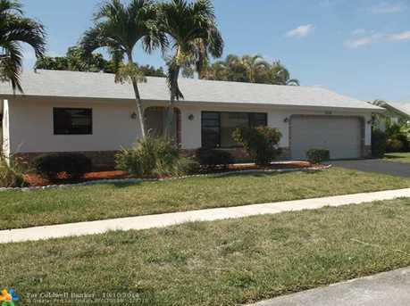9610 NW 43rd St - Photo 1