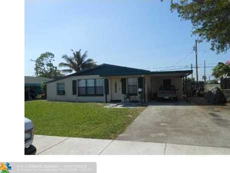 660 NW 17th St - Photo 1