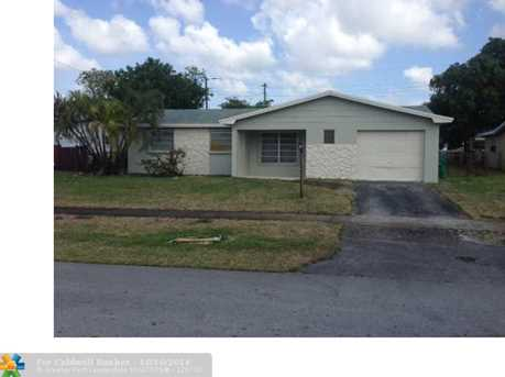 4340 NW 11th St - Photo 1