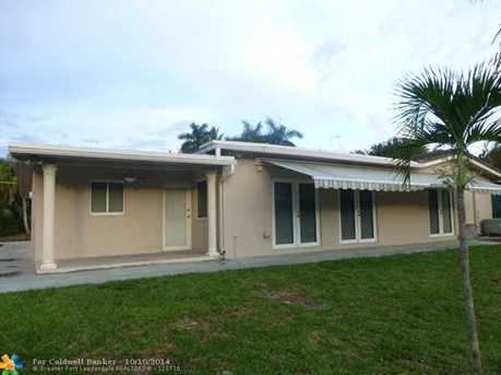 531 SW 10th Ave - Photo 1