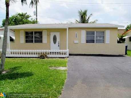 8240 NW 23rd St - Photo 1
