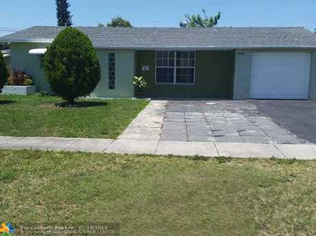 5941 NW 13th St - Photo 1