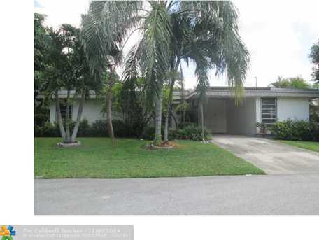 7307 NW 68th St - Photo 1