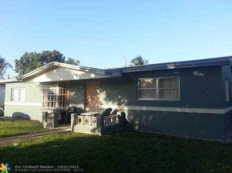 4290 NW 38th Ave - Photo 1