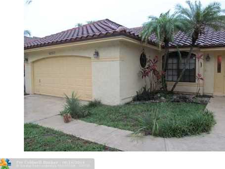 4060 NW 5 Dr - Photo 1