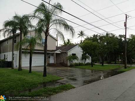 701 SW 8th Ter - Photo 1