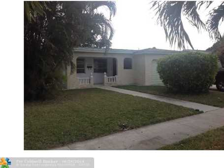 6854 NW 3rd St - Photo 1