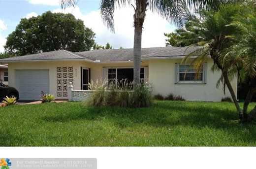 8300 NW 100th Ter - Photo 1