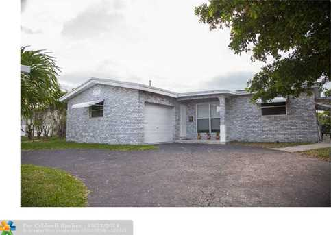 2511 NW 87th Ave - Photo 1