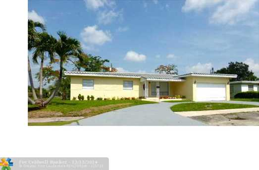 421 NW 16th Ave - Photo 1
