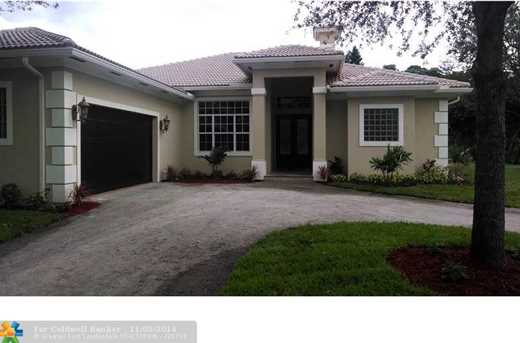 4910 NW 74th Pl - Photo 1