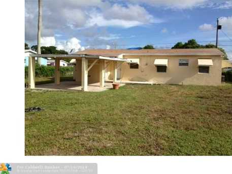 2960 NW 156th St - Photo 1