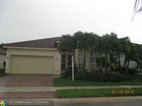 11619 NW 48th St - Photo 1