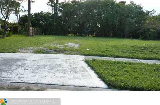 21094 White Oak Ave - Photo 1
