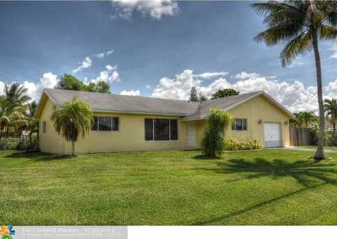 11401 NW 26th St - Photo 1