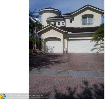 3291 SW 195th Ter - Photo 1