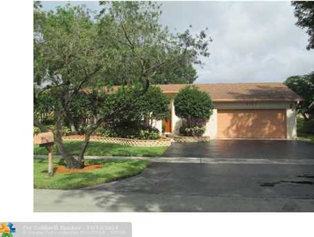 5157 SW 87th Ave - Photo 1
