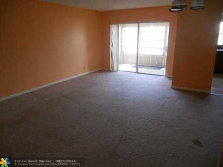 4042 NW 19th St, Unit # 403 - Photo 1