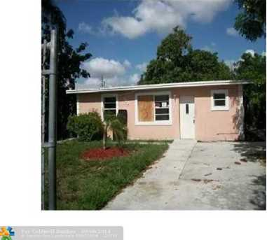 118 SW 12th Ave - Photo 1