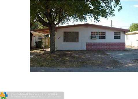 841 NW 19th Ave - Photo 1