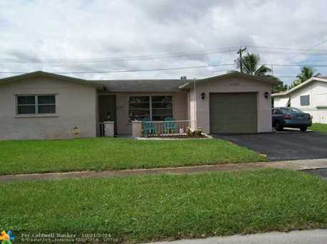 4720 NW 20th St - Photo 1